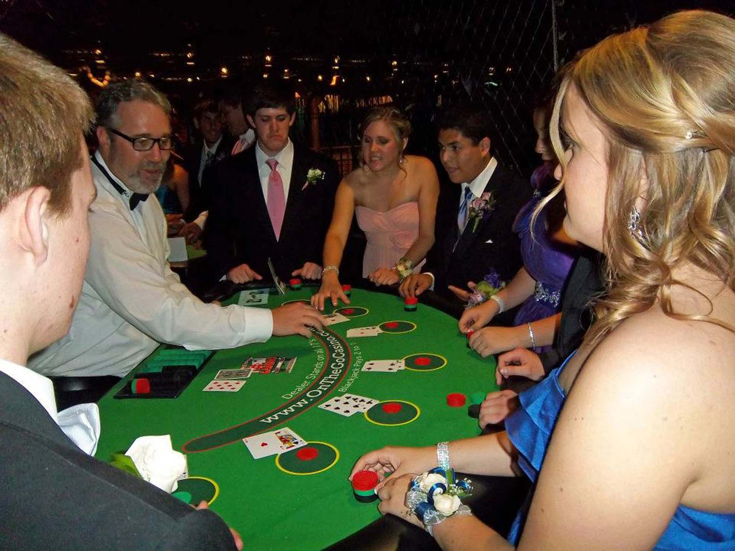 how to become a poker dealer in arizona